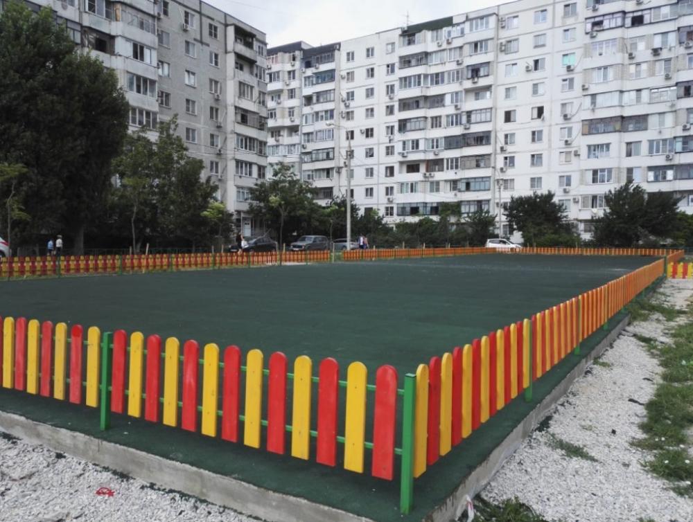 Власти Новороссийска вспомнили про детей и обещанные площадки