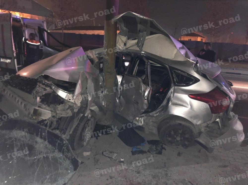 «Форд» всмятку: ночная авария унесла жизнь новороссийца