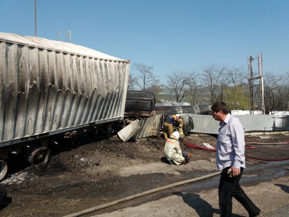 Пожарные успели до взрыва: пожар на АЗС Новороссийска потушен за полтора часа