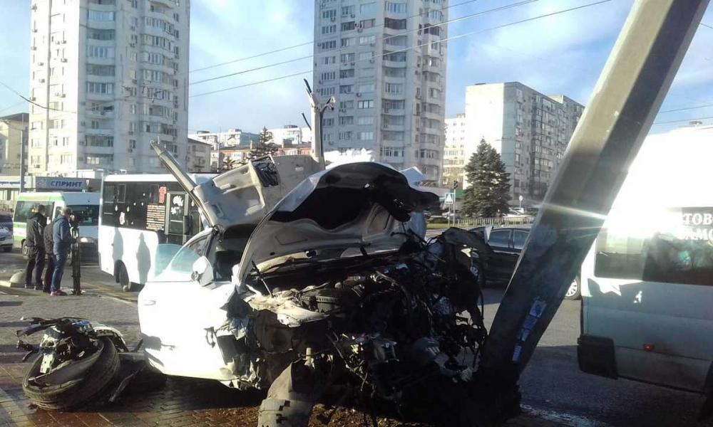 Ночной кошмар на проспекте Ленина в Новороссийске: 5 человек покалечены