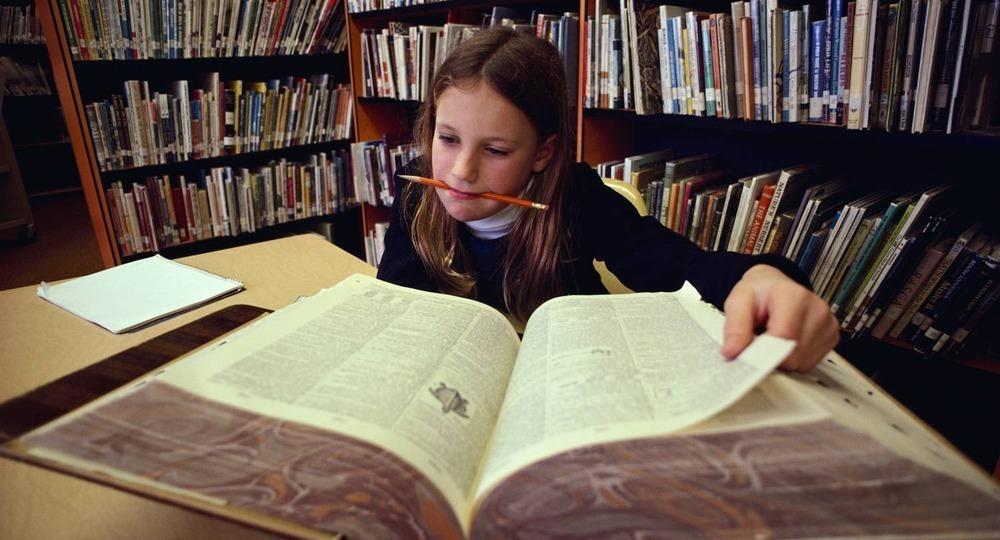 В порт Новороссийска пришла огромная партия учебников для детей