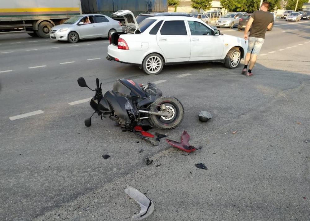 Мама сбитого мопедиста ищет свидетелей аварии на улице Ленина-Красина в Новороссийске