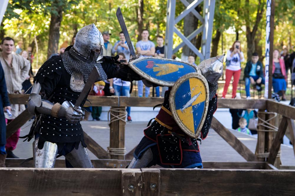 Рыцарь из Новороссийска показал ростовчанам, как надо рубиться на мечах