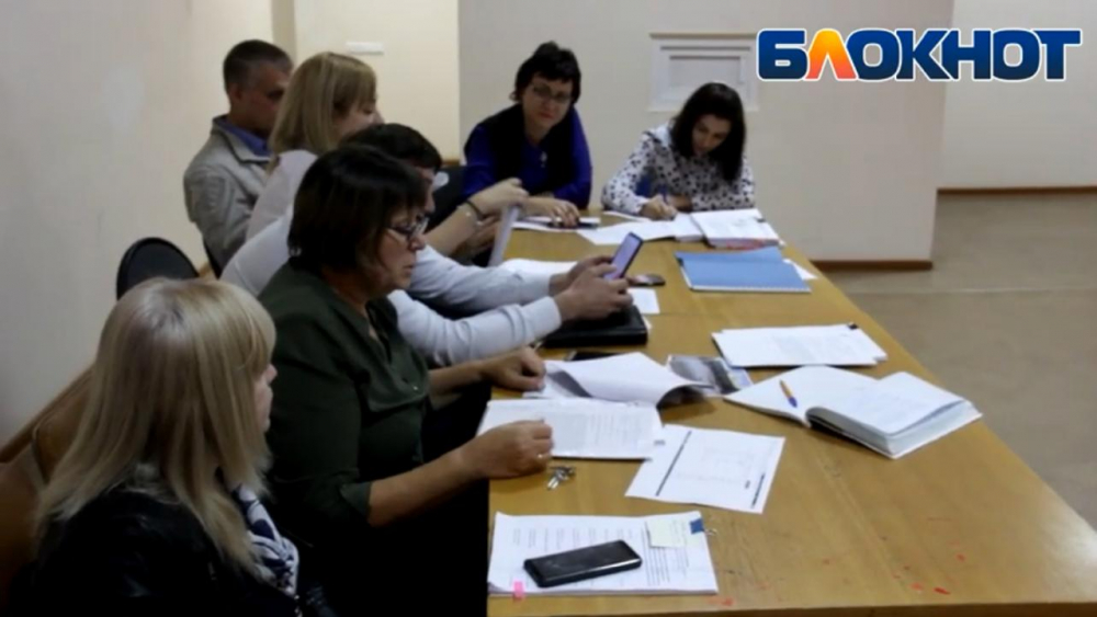 «Двор не нужен. Зачем? Дети будут гулять на крыше»: как прошли публичные слушания по застройке Новороссийска