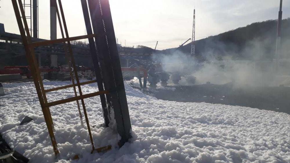 Трое в тяжелом состоянии: подробности пожара на нефтебазе в Новороссийске