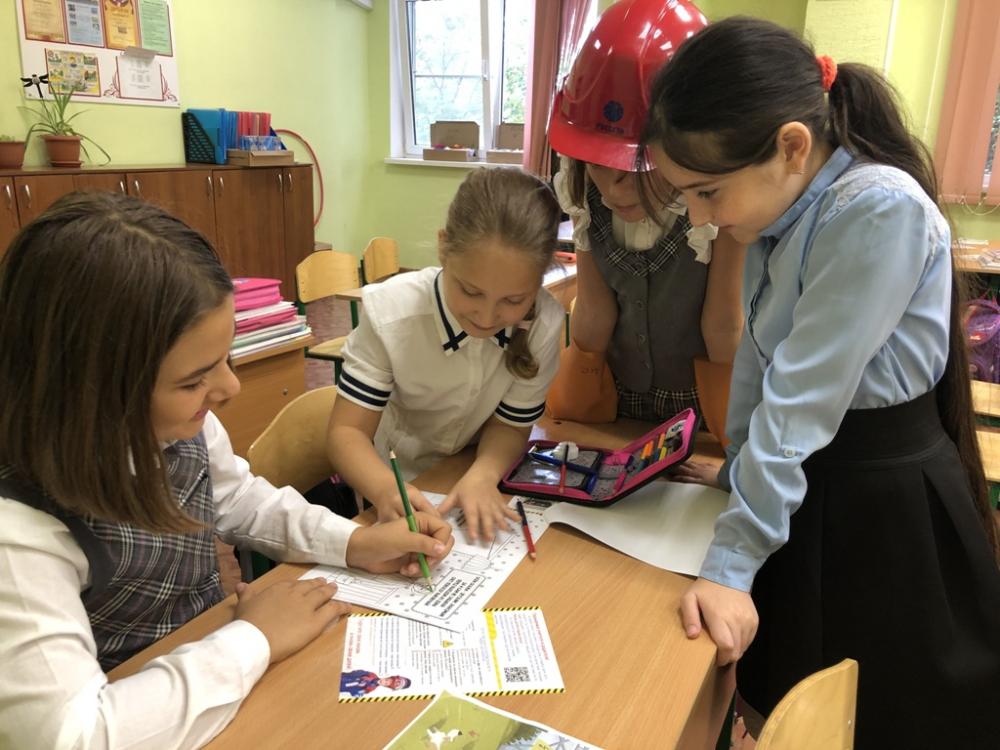 Энергетики посетили 15 школ в юго-западном районе Кубани с уроками электробезопасности
