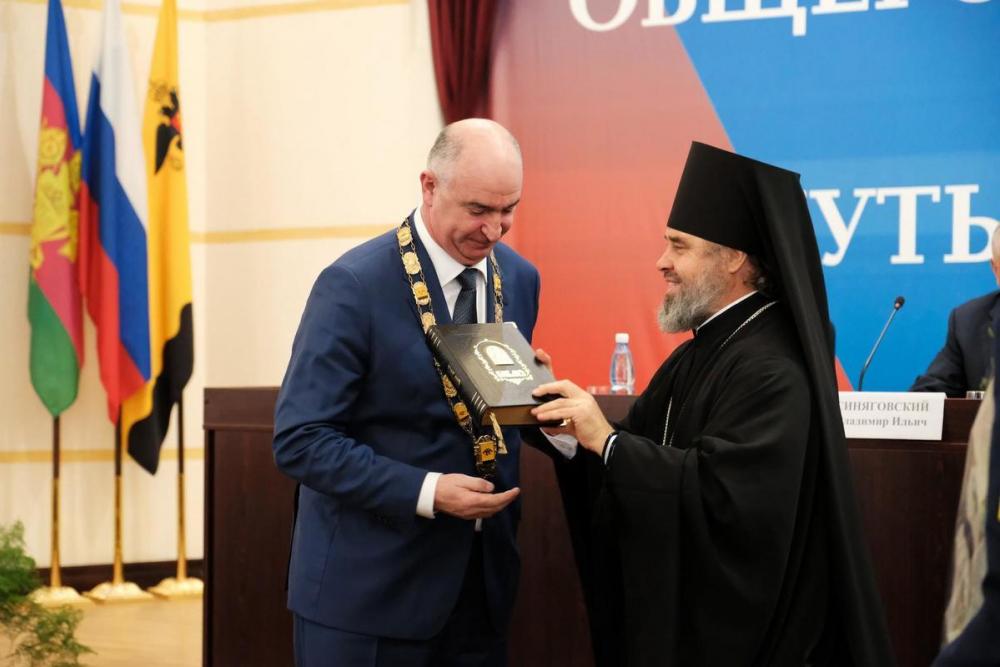Как искушают чиновников «лукавые граждане», - рассказывает Игорь Дяченко