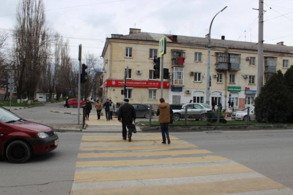 Новый светофор заработал в Новороссийске