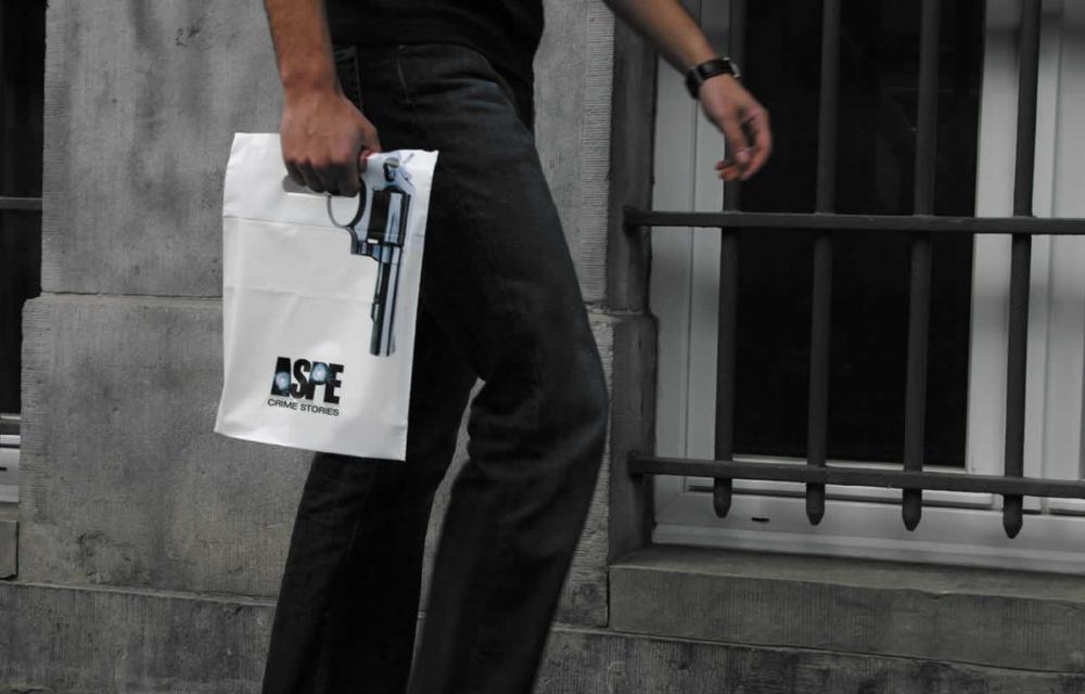 Отправляясь в магазин, новороссиец захватил с собой пакет и 40 патронов
