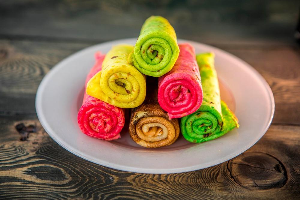 небольшие разноцветные блинчики рецепт с фото покажем вам фотографии