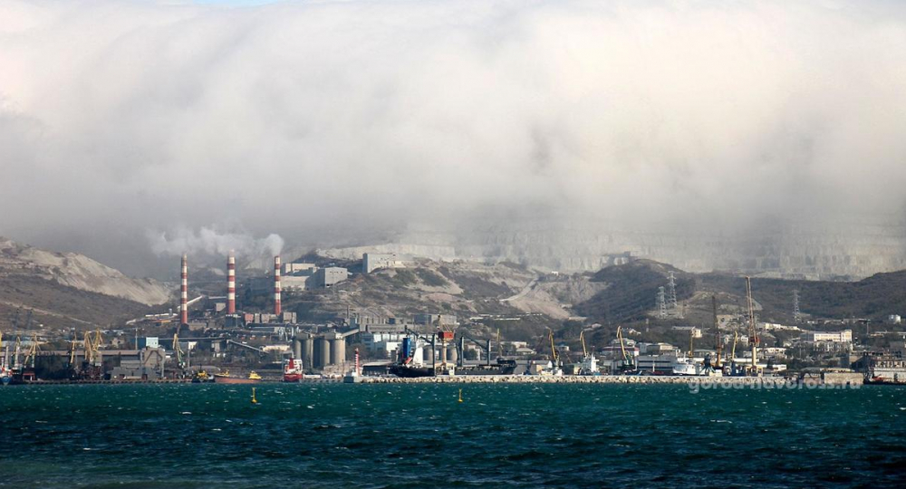 Уровень загрязнения воздуха в Новороссийске превысил норму
