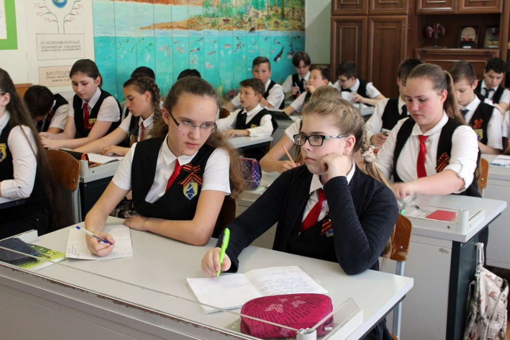 Новороссийские школьники приглашают ровесников из Болгарии познакомиться с виноделием