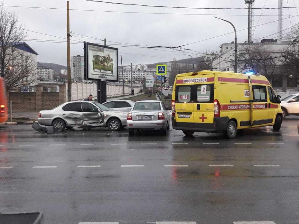 Четырёхлетний ребёнок и двое взрослых пострадали в аварии