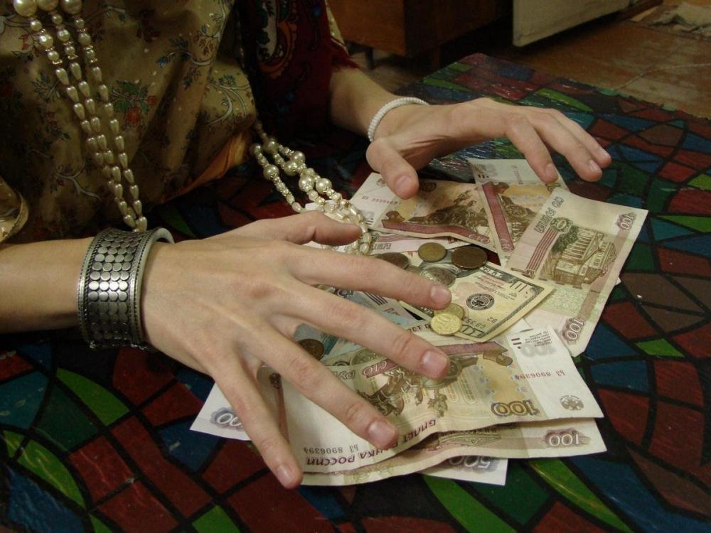 Сняла порчу и сто тысяч рублей лжегадалка в Новороссийске