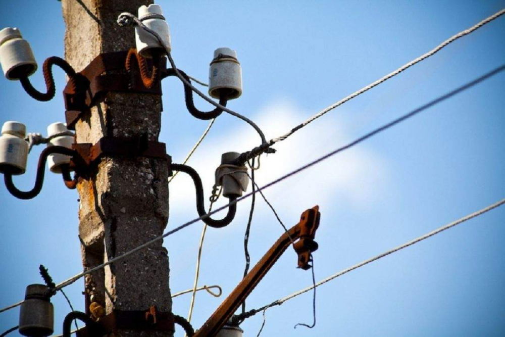 На окраинах Новороссийска временно отключат свет, а в центре - газ