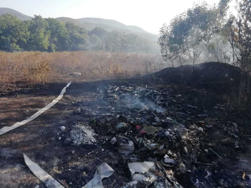Почти гектар травы сгорел под Новороссийском
