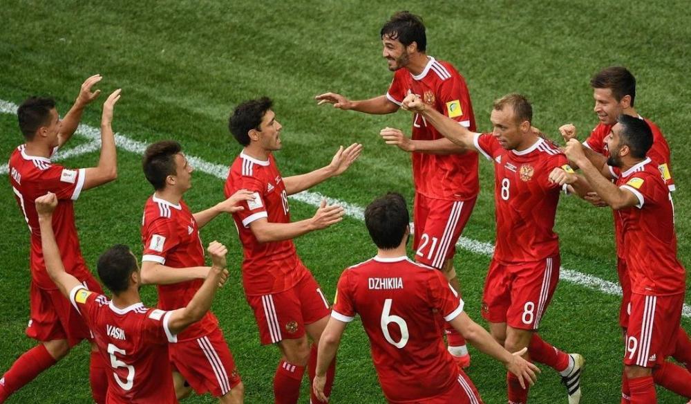 «Надо втащить сонным футболистам»: эксперты из Новороссийска о сегодняшней игре