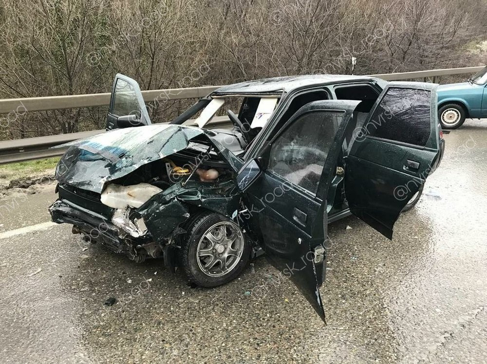 Трое жителей новороссийска пострадали в ДТП при въезде в город
