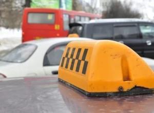 В Новороссийске задержан таксист REDа, работающий без прав