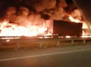 По дороге из Новороссийска в Краснодар ночью пылали пожары