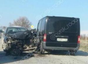 Вырвало двигатель у одного из автомобилей в жуткой аварий в Новороссийске