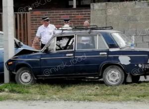 В Новороссийске бетонный столб спас автомобиль