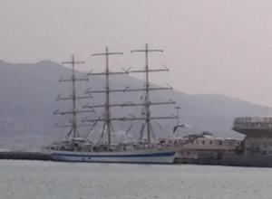 Парусник Херсонес прибыл в Новороссийск