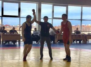 Двое новороссийцев вошли в тройку лучших первенства Краснодарского края по борьбе