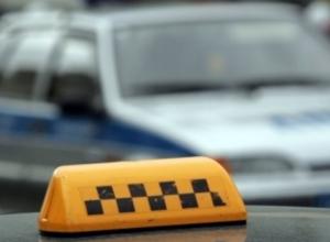 Новороссийского таксиста «кинули» на 14 300 рублей