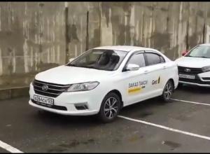 Таксисты Новороссийска не выходят на работу с 8 марта