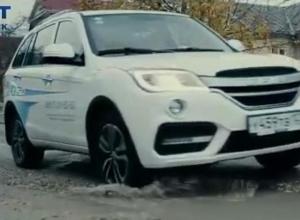 Ольга Шевцова испытала автомобиль Lifan X60 на дорогах Новороссийска