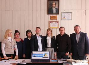 Депутат ЗСК Юлия Алешкевич заинтересовалась новороссийской акцией Послание потомкам