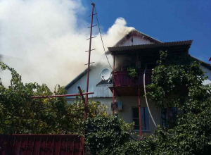 Пожар в Новороссийске не могли потушить несколько часов