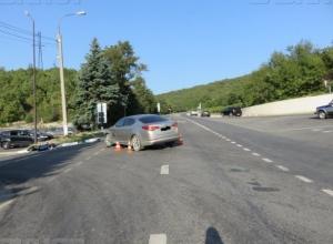 Мотоциклист без прав и шлема пострадал в ДТП в Новороссийске