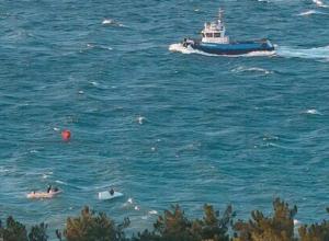 - Еще бы в Крещенье детей в море выпустили! - новороссийцы возмущены упертостью организаторов парусной регаты в Геленджике и не верят отчетам МЧС