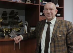 - В кабинетах наших специалистов все стены в дипломах, - Игорь Жаринов, президент торгово-промышленной палаты Новороссийска