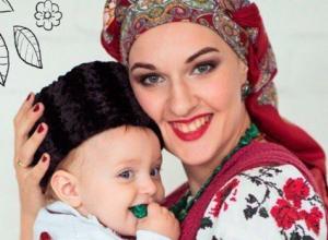 Жительница Новороссийска Дарья Тельтевская - самая красивая слингомама Краснодарского края!