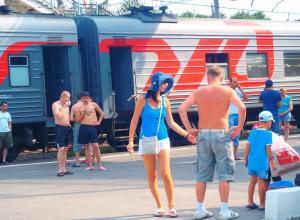 Готовьтесь - они едут! Поезда на побережье везут больше пассажиров, чем раньше