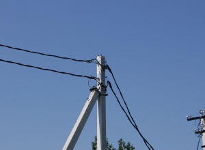 На участки многодетных семей проведут электричество в пригороде Новороссийска