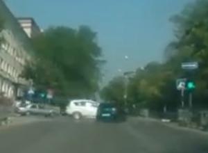 Неожиданный поворот в ДТП со снесенным светофором в Новороссийске