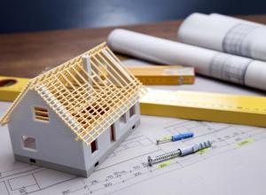 Таможенник из Новороссийска заставил своего работника строить ему дом
