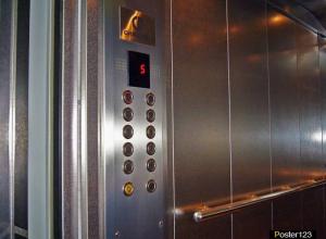 - На лифтах экономить не будем! – обещает новый застройщик бывшим дольщикам КЖС