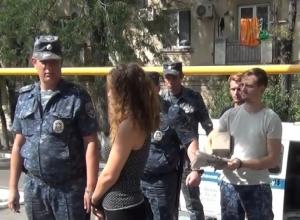 Трое москвичей сбывали фальшивые купюры в Новороссийске