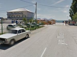 За что берут деньги на парковке в новороссийском поселке Южная Озереевка?