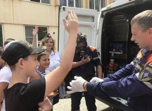 Новороссийским школьникам рассказали про ПДД через спасение