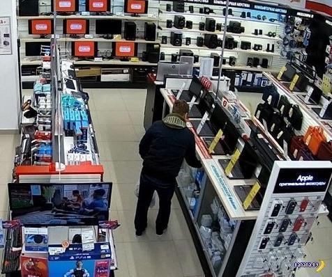 Новороссиец украл фотоаппарат и не заметил видеокамеру