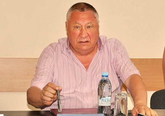 Доход Владимира Синяговского снова остался в тени супруги