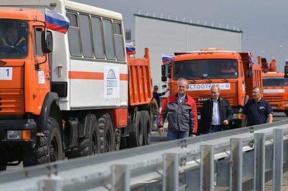 Появилось видео, как Путин на КамАЗе открывал Крымский мост