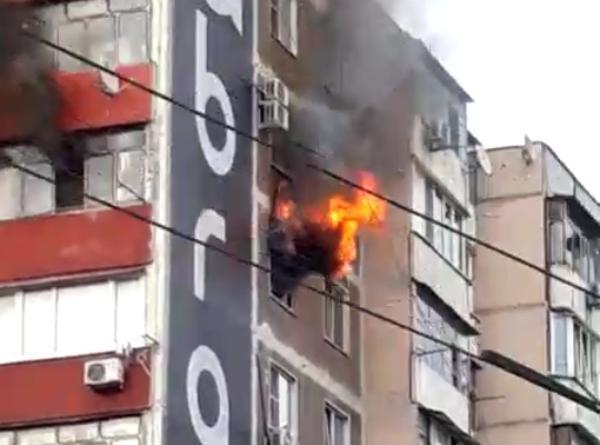 Из пожара в Новороссийске эвакуировали 120 человек