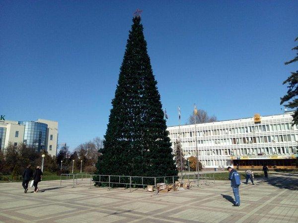 Новороссийские власти хотели установить «3D» ёлку